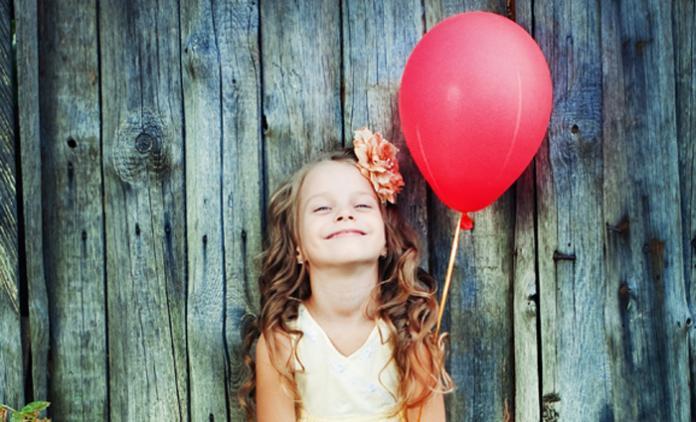 verjaardag meisje met ballon