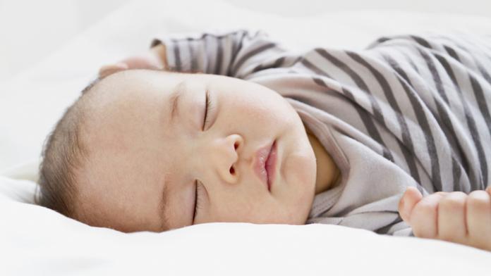 slaapontwikkeling baby