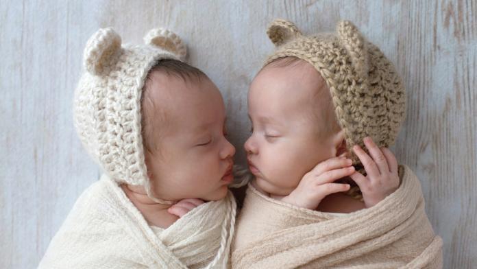 Identiteit bij tweelingen