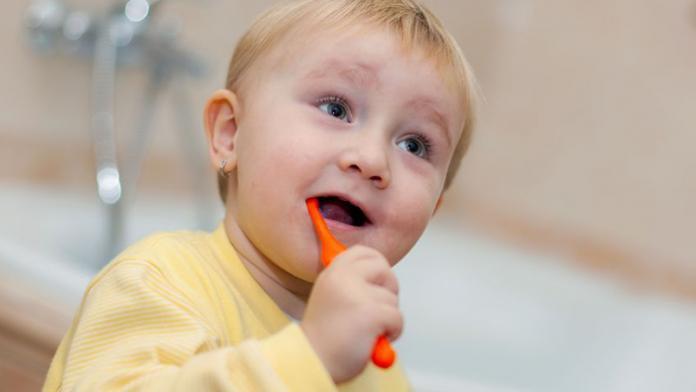 Peuter tandenpoetsen