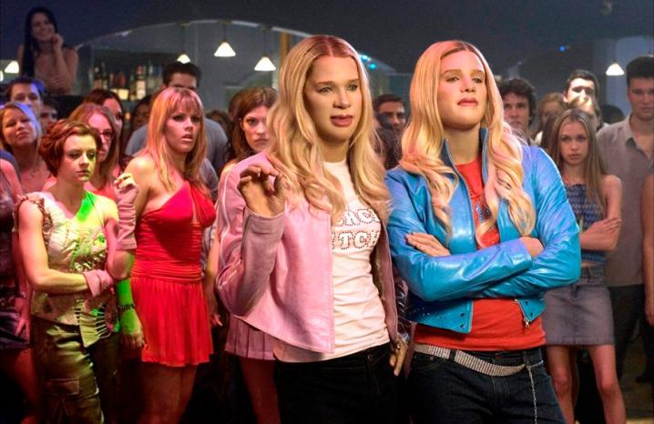 FBI: Fausses Blondes Infiltrées