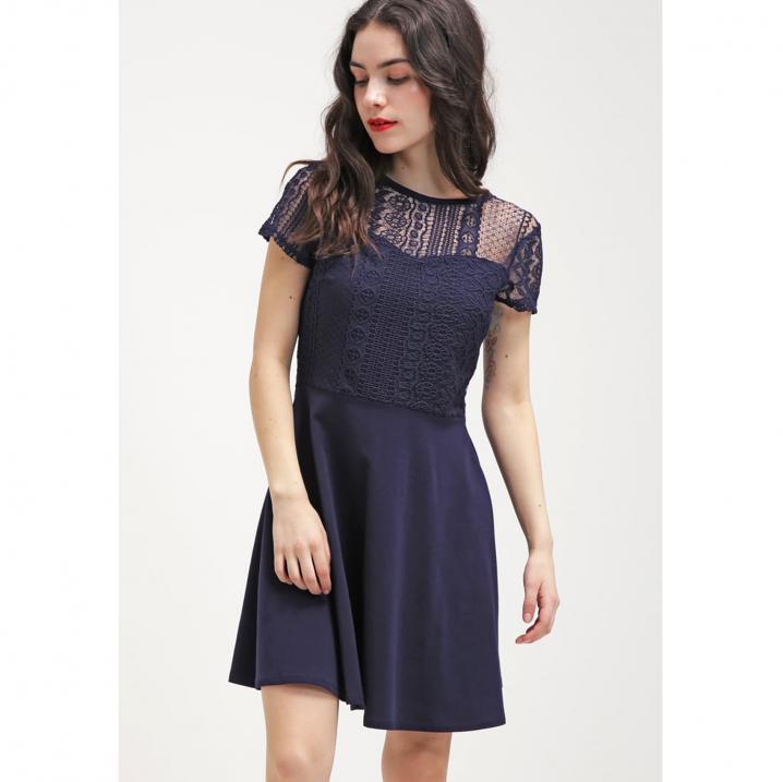 Blauwe jurk met kant