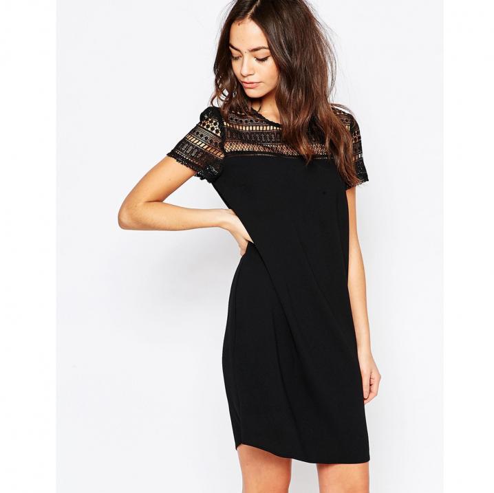 Zwarte jurk met kant