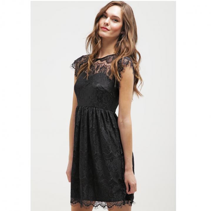 Zwarte jurk met kanten bovenkant