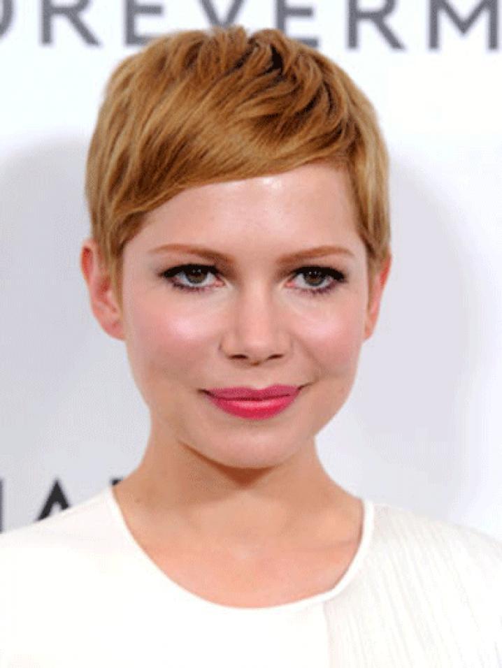 On aimait dà©jà la coupe Twiggy blonde de Michelle Williams, on l'aime encore plus en rousse