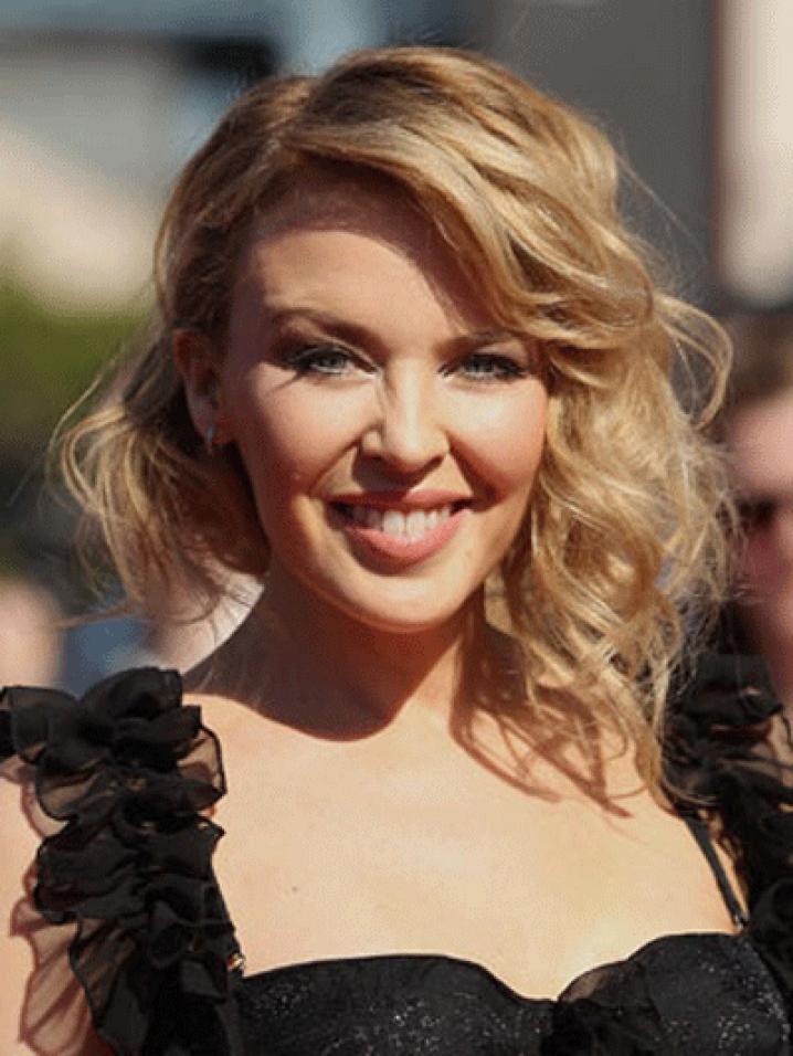 Kylie Minogue est redevenue blonde