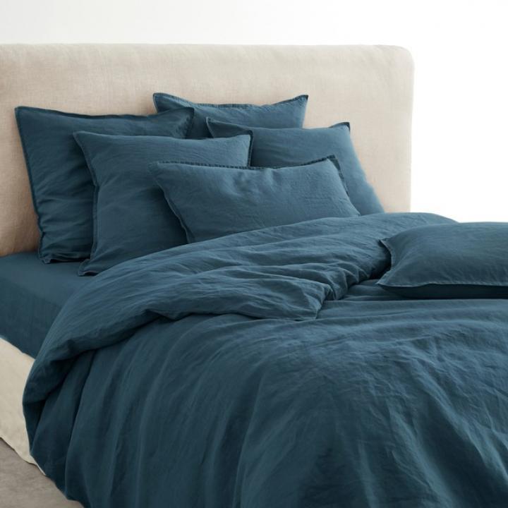 Donkerblauw bedlinnen