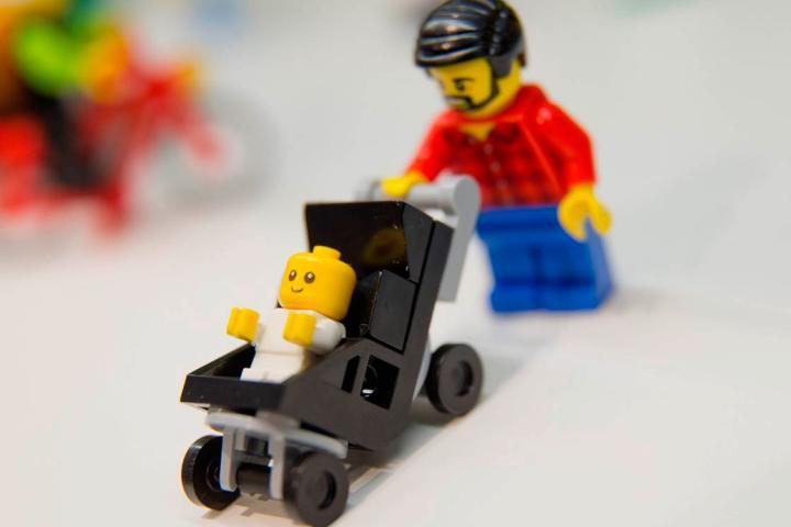 Lego sort un personnage p re au foyer - Personnage star wars lego ...