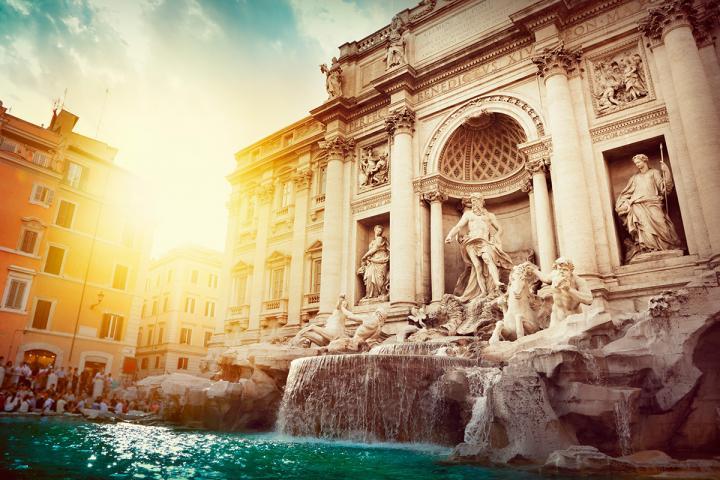 Les mannequins marchent sur l eau… de la Fontaine de Trevi a42bf0ee2ad