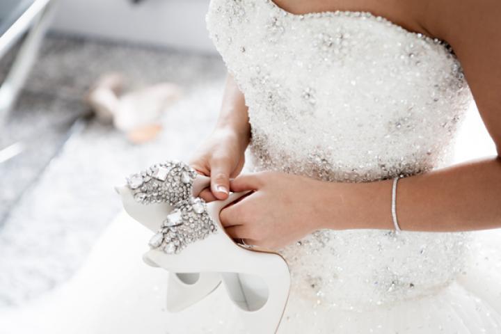 Trouwjurk Passen Zonder Afspraak.Trend Gespot Bruidsjurken Passen Puur Voor Het Plezier