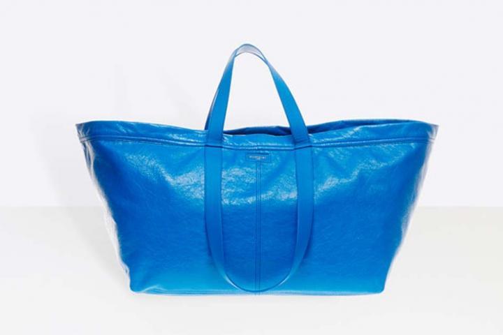 N achetez pas ce sac Balenciaga à 1695€, Ikea vend les mêmes pour 0,80€ 13dd7807571
