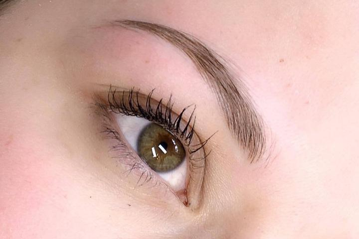 on a testé: le microblading, le maquillage semi-permanent des sourcils