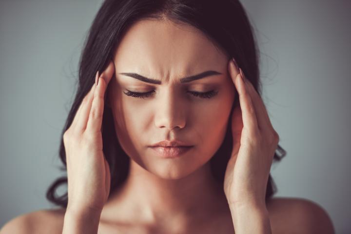 lichte hoofdpijn voorhoofd