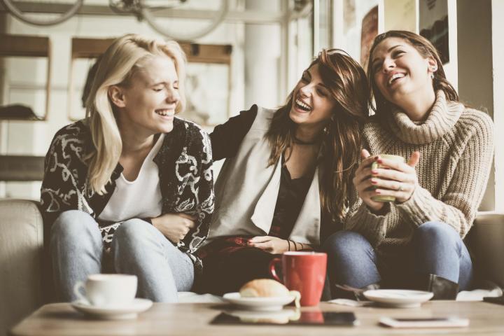 Faites vous des amis, rencontrez de nouvelles personnes et de participez à des activités
