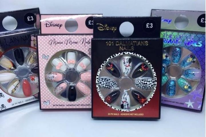 4e29b62429e5 ON VEUT: Primark lance une collection d'accessoires 100 % Disney!