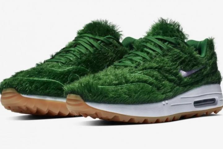 Et Est Crée Recouvertes On D'herbe Nike Des Baskets Vertes MpqVSUzG