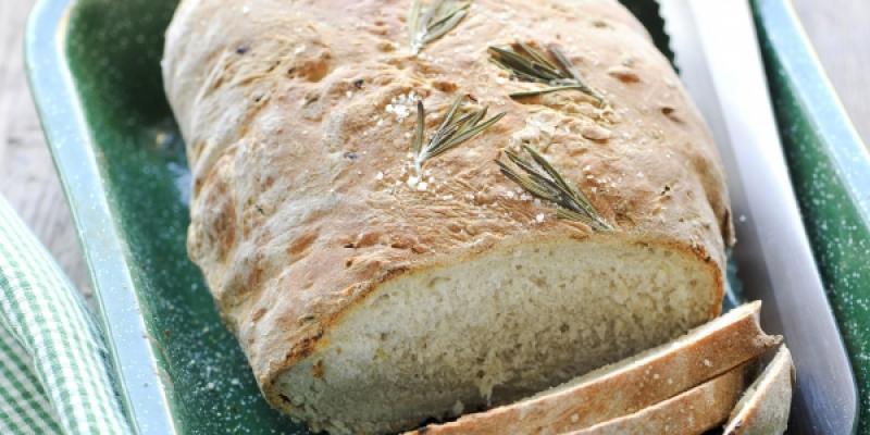 Brood met ui en rozemarijn