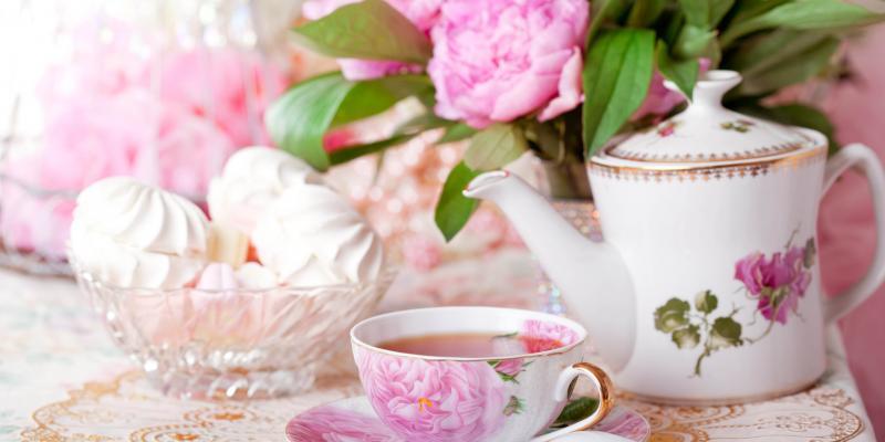 4 conseils d'un ancien majodorme de la Couronne pour préparer un thé à l'anglaise