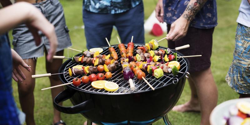 Klassieke houtskoolbarbecue