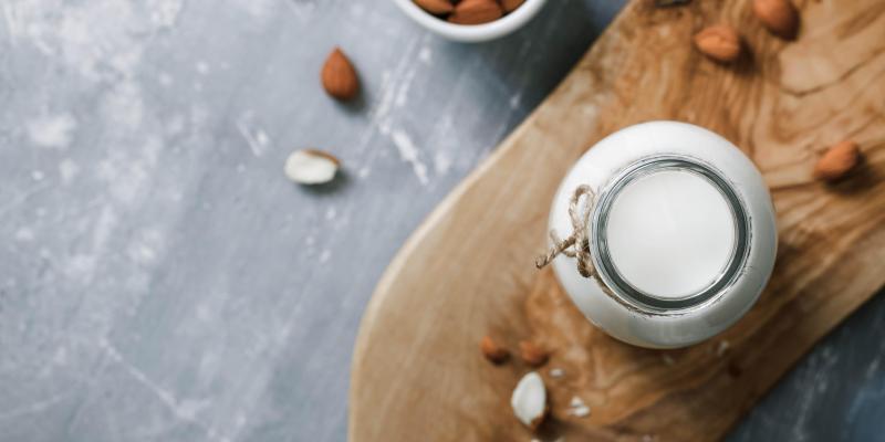 Comment faire du lait d'amande maison? (vidéo)