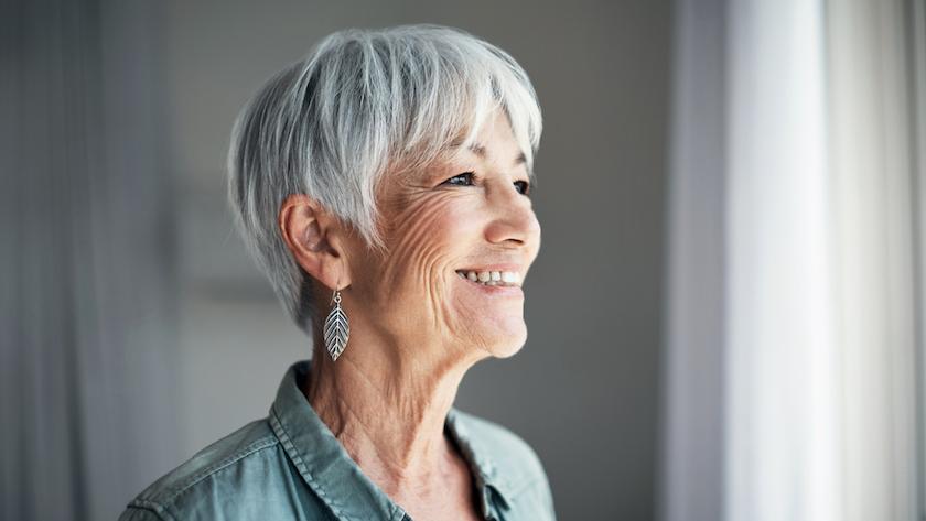welke kleuren dragen bij grijs haar
