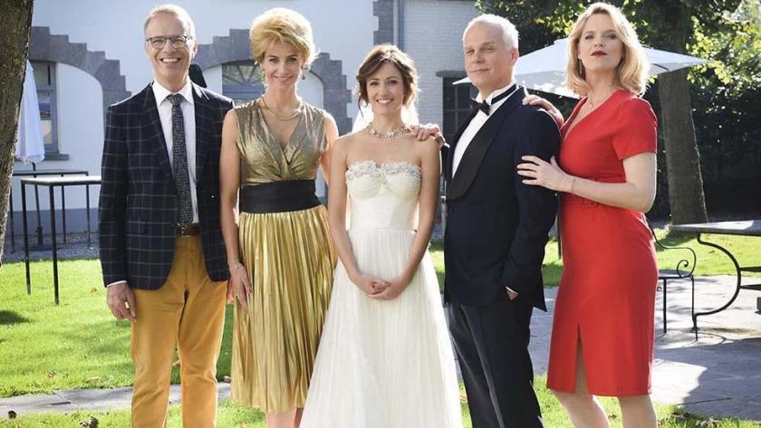 Cristina Cordula donne son avis sur la robe de mariée de la journaliste  Anne Ruwet ( e1a62bd192f