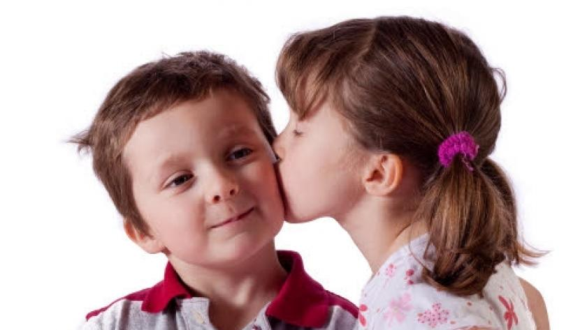 Kussen Voor Kinderen : Hoe verloopt de seksuele ontwikkeling van je kind? libelle