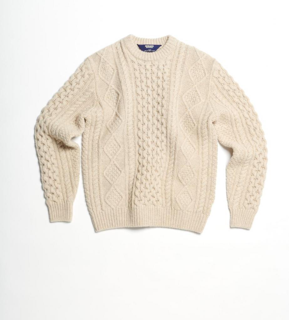 Klassieke trui met fantasiesteken (270 euro), van Sebago.
