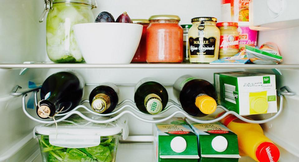 14 ingrediënten die je beter altijd in de koelkast hebt