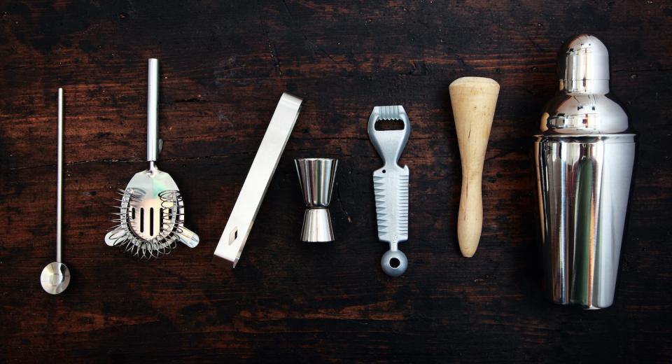 Cocktails maken? Deze tools moet je zeker hebben!