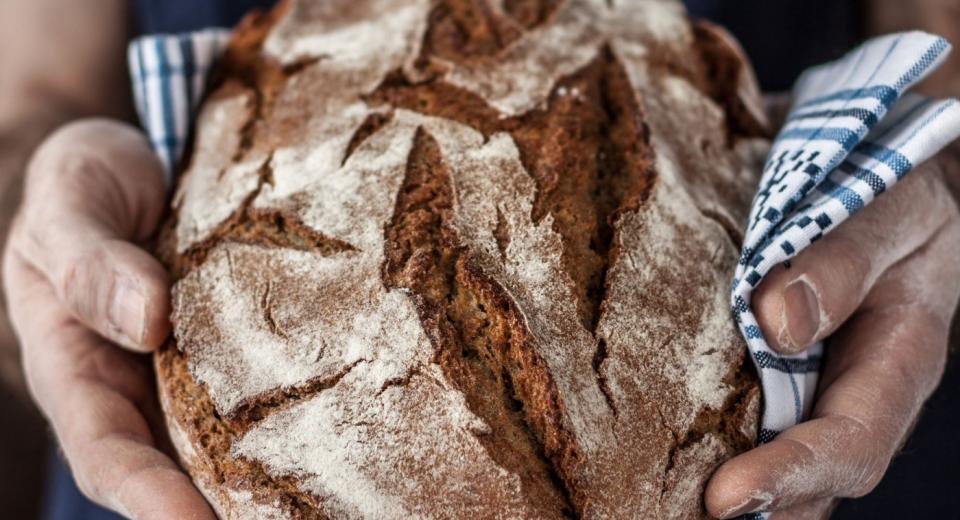 Brood bakken zonder broodbakvorm? Zo doe je dat...