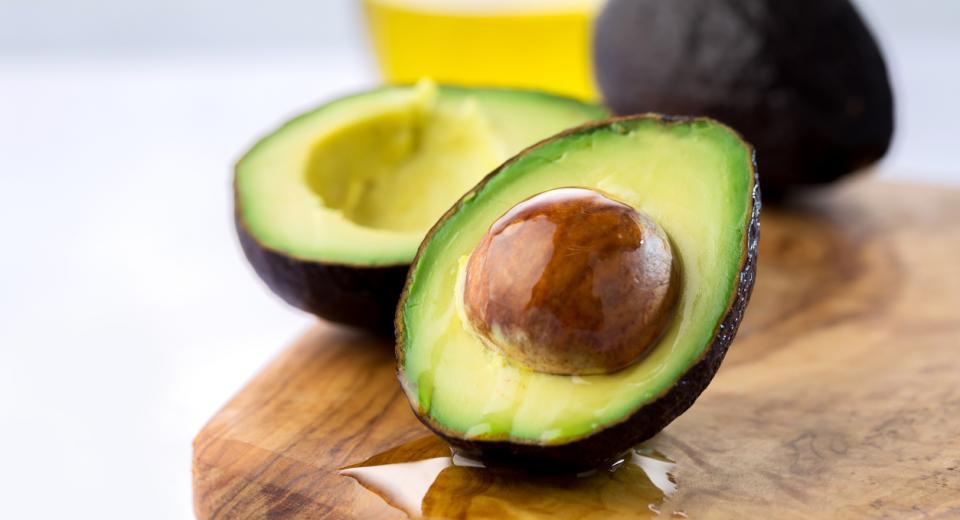 dit is het gezondste deel van je avocado - libelle lekker