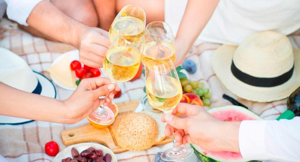8 picknickhacks die van deze zomer de beste ooit maken - Libelle Lekker