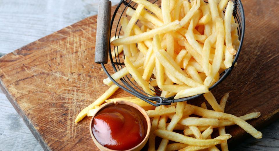 Frituren, in de oven of met hete lucht: 3 manieren om frietjes te bakken