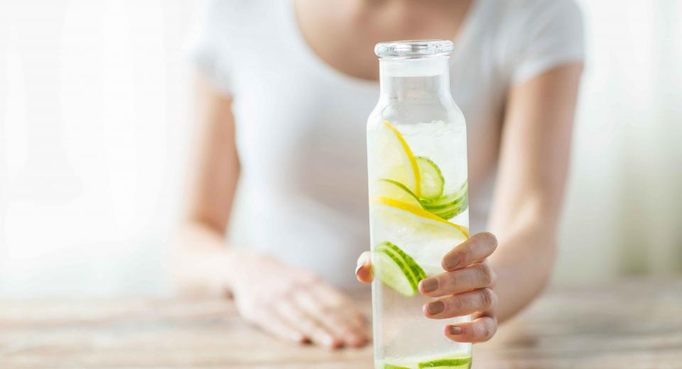 Genoeg water drinken, hoe doe je dat?
