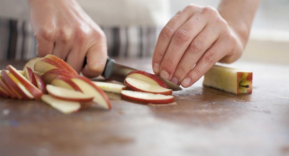 Dit is de beste manier om te voorkomen dat schijfjes appel bruin worden