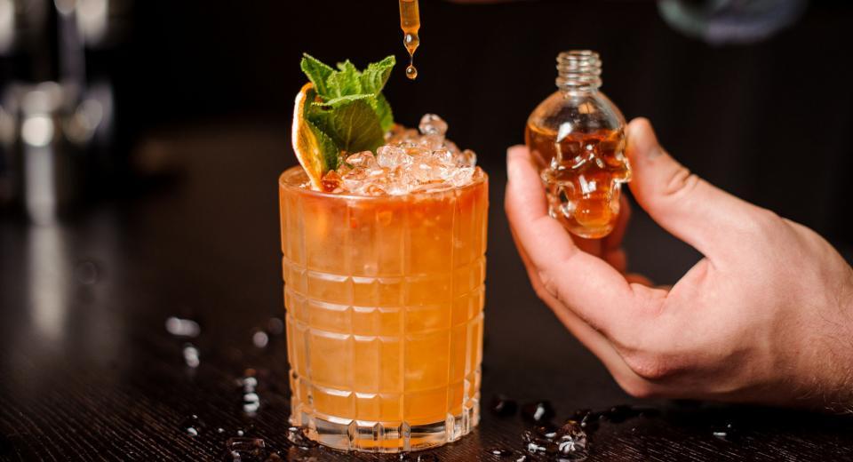 6 recettes de cocktails stylés pour Halloween