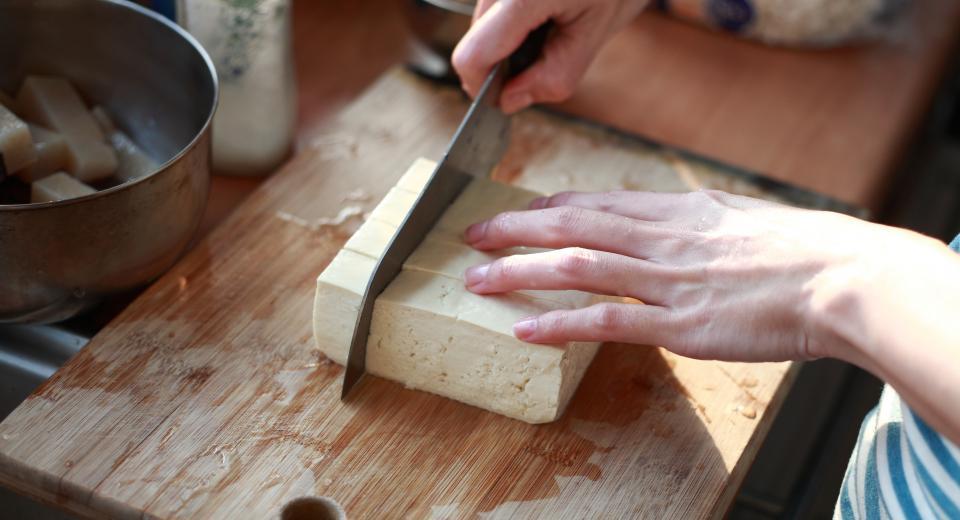 5 étapes pour bien préparer le tofu