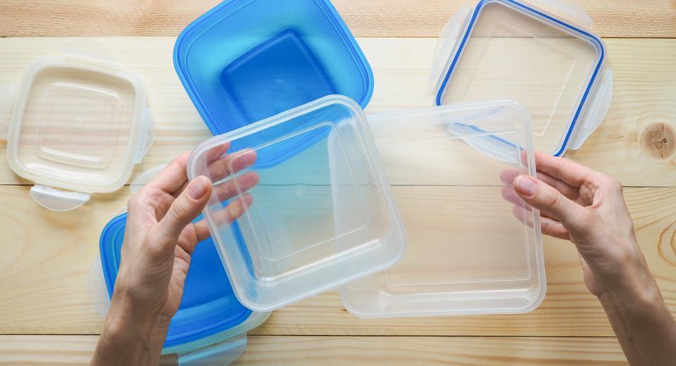 Welke doosjes mogen in de microgolfoven en welke niet?