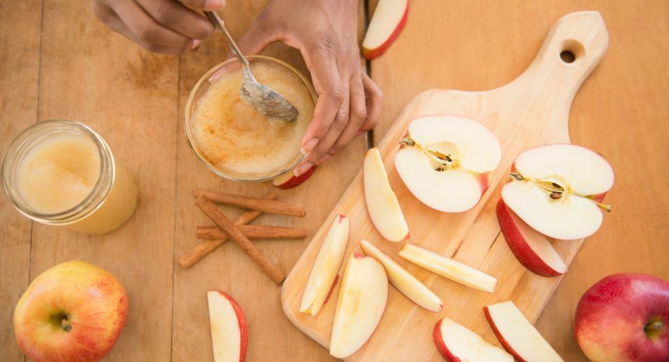 Zo maak je zelf de lekkerste appelmoes