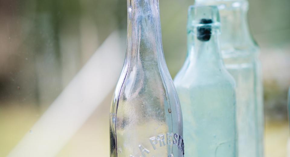 4 astuces pour nettoyer parfaitement les fonds de bouteille