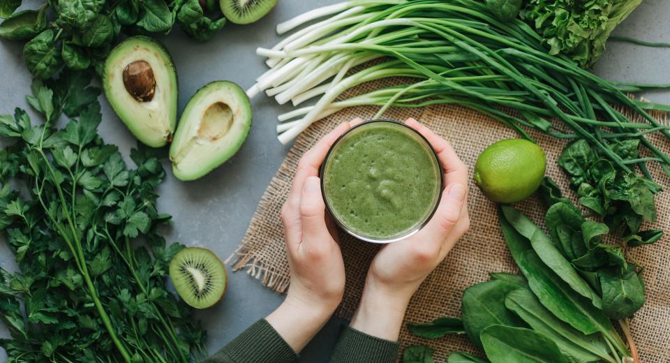 Een kommetje soep of een smoothie: wat is het gezondst?