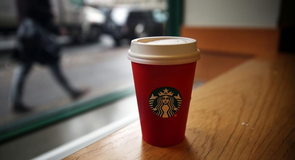 Le gingerbread latte est de retour chez Starbucks!