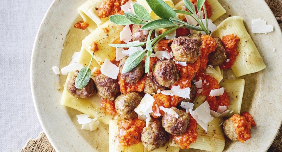 18 borden pasta met gehakt om van te watertanden