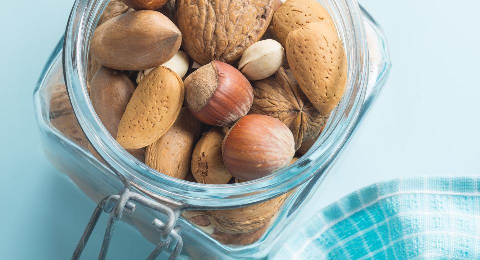 Hoeveel noten mag je per dag eten?