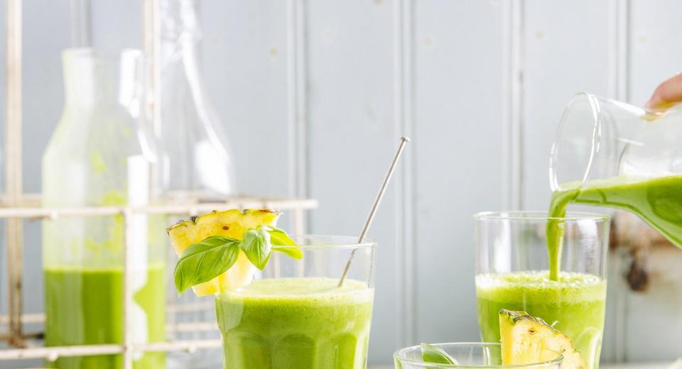 16 smoothies & sapjes vol vitaminen