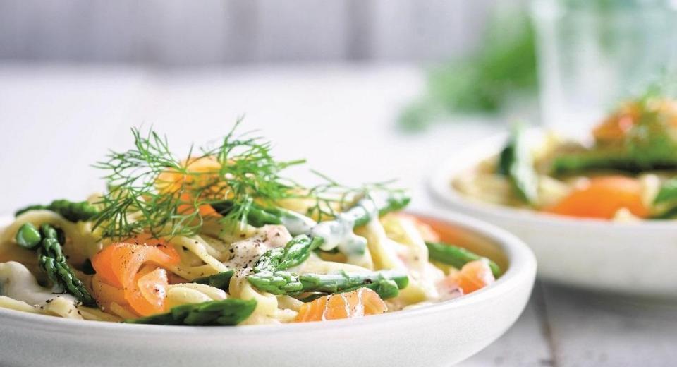 16 recettes de pâtes + saumon qui vont vous plaire