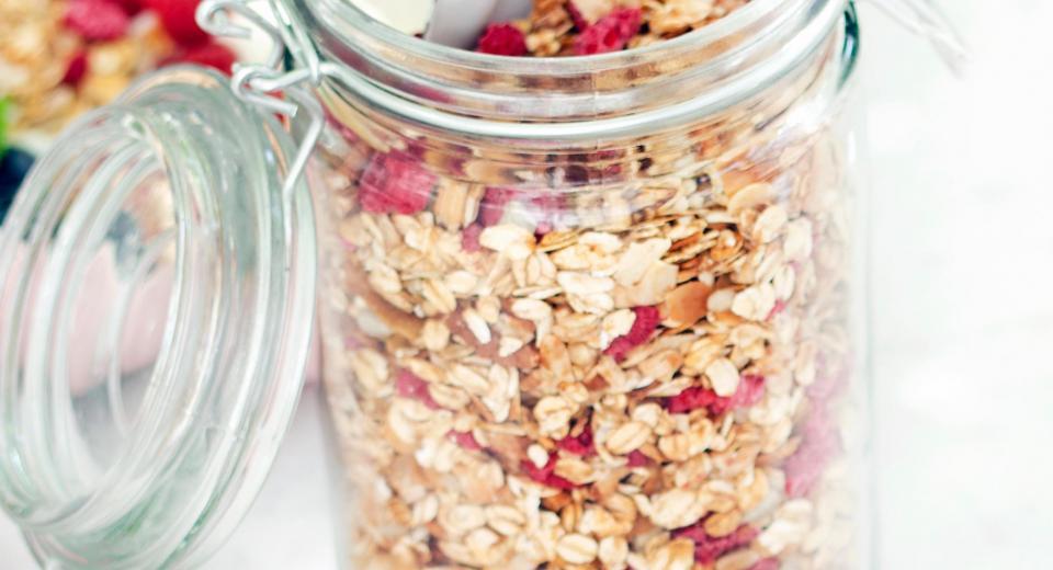 10 recepten voor homemade granola bij het ontbijt