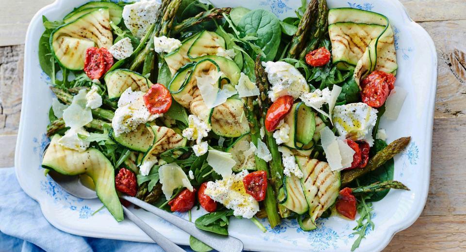 Ces salades d'asperges sont parfaites pour le printemps