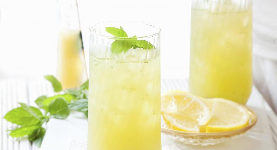 Zo maak je limonade zonder suiker